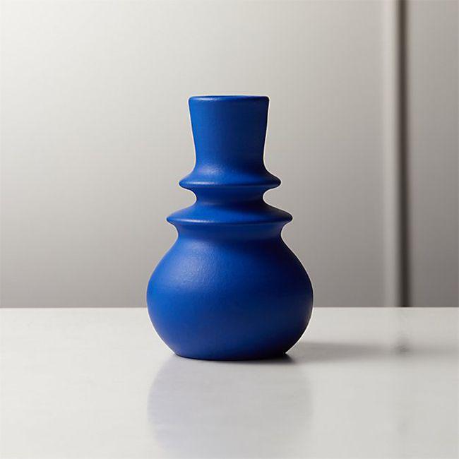 florero de yema azul