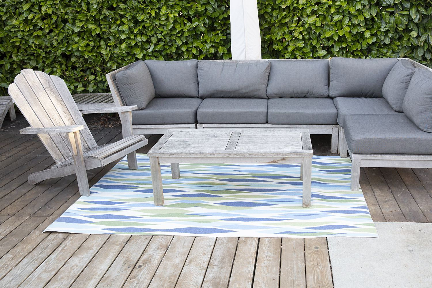 Picture of: 15 Cheap Outdoor Rugs That Will Make Your Backyard Feel Chic