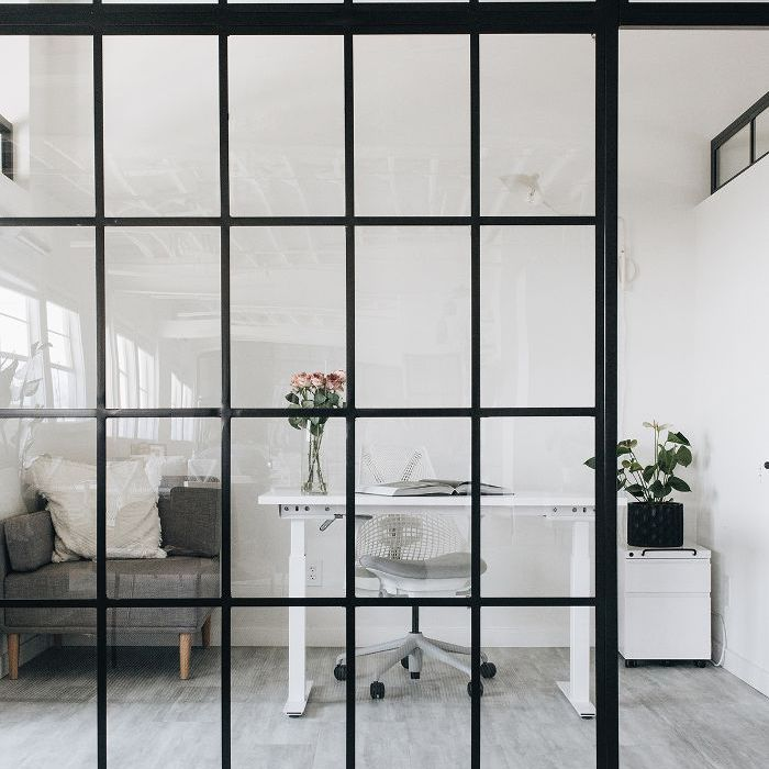 minimal office—Chriselle Lim