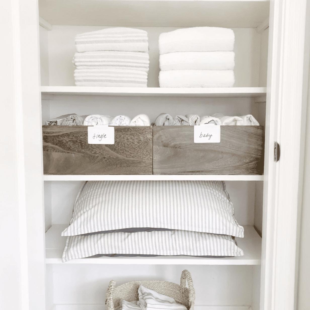 15 Best Linen Closet Organization Ideas, How To Organize Bathroom Closet