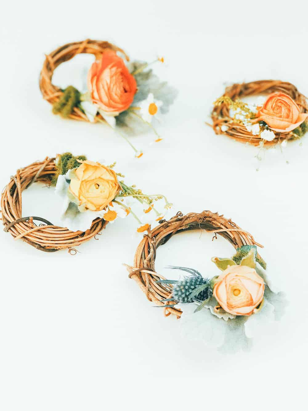 The College Housewife spring wreath DIY.