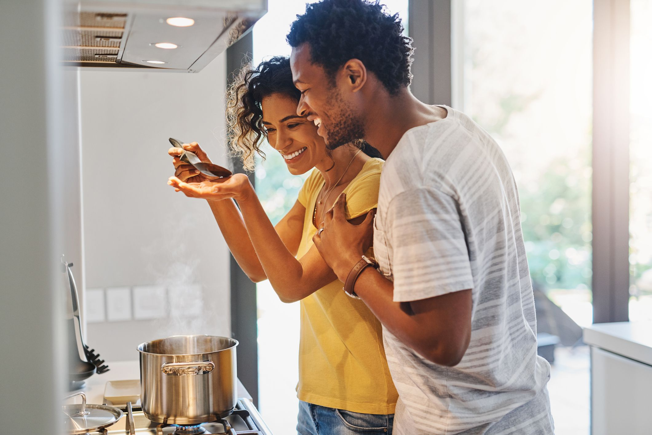 How To Plan A Romantic Dinner At Home