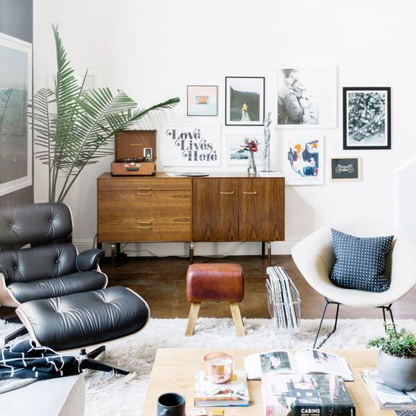a clutter-free living room
