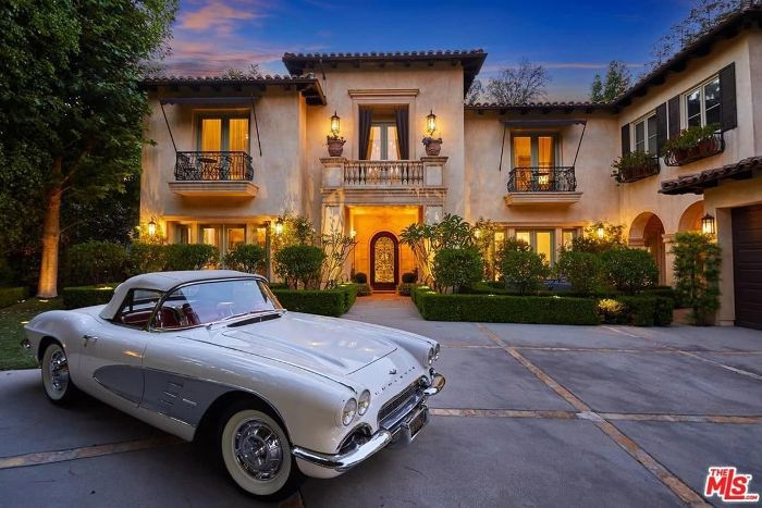 Take a Tour of Britney Spears's Former Beverly Hills Home