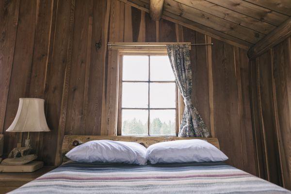 rustic style bedroom