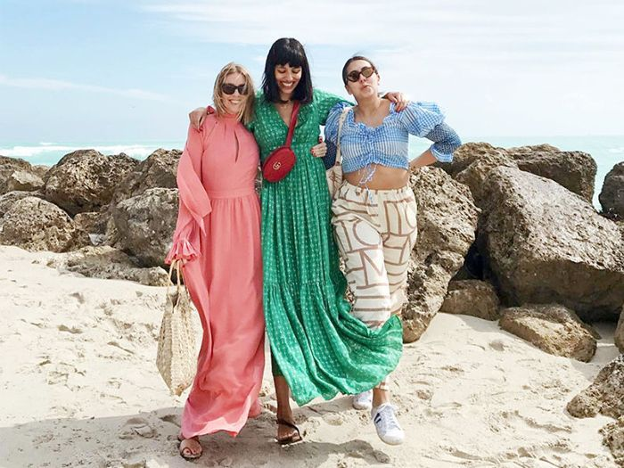 5ce91e99a 8 Beach Outfit Ideas Inspired by Fashion It Girls