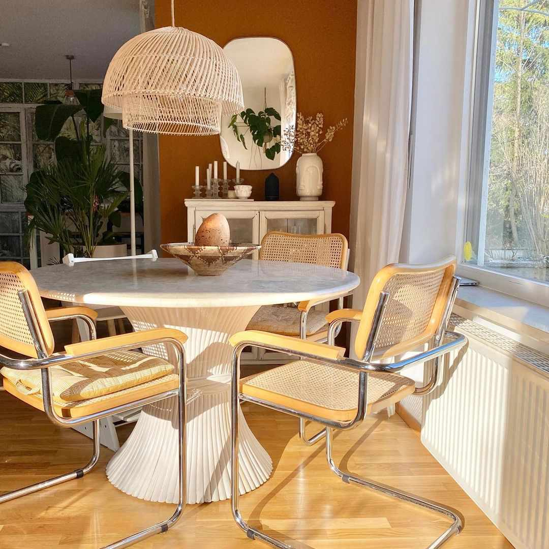 hardwood floor refinishing in dining room