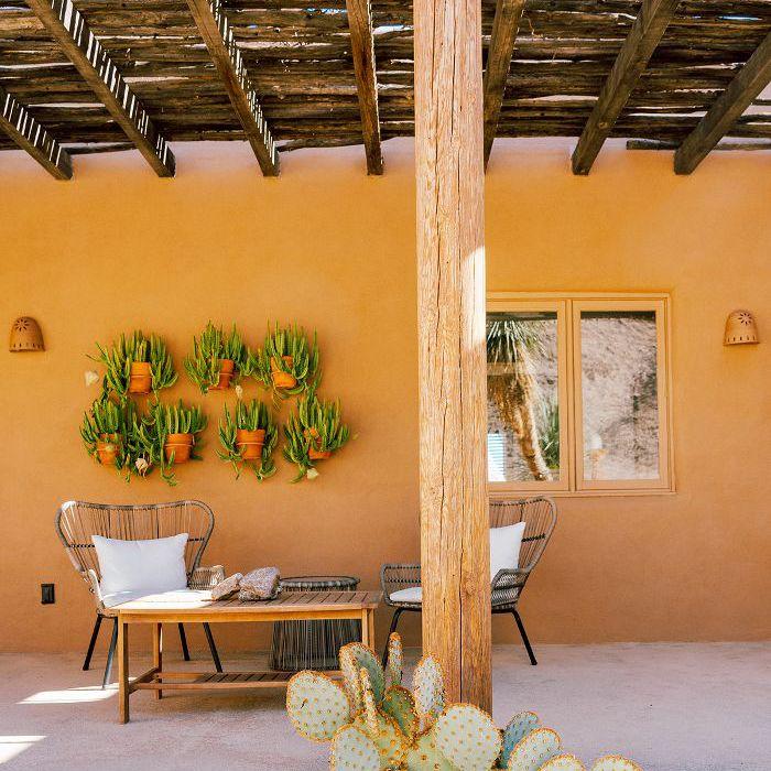 desert home exterior