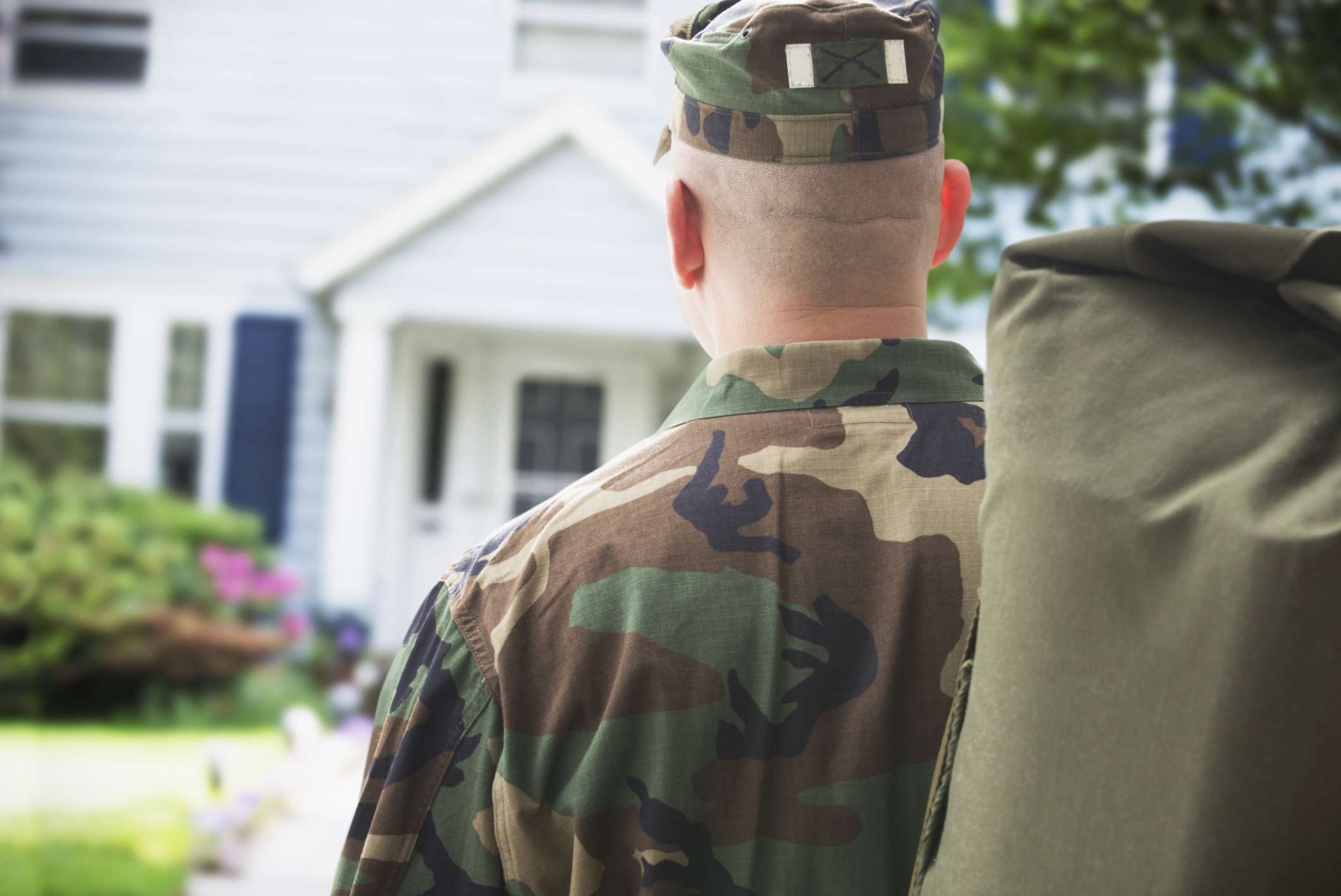 How is Military Retirement Pay Divided During Divorce?