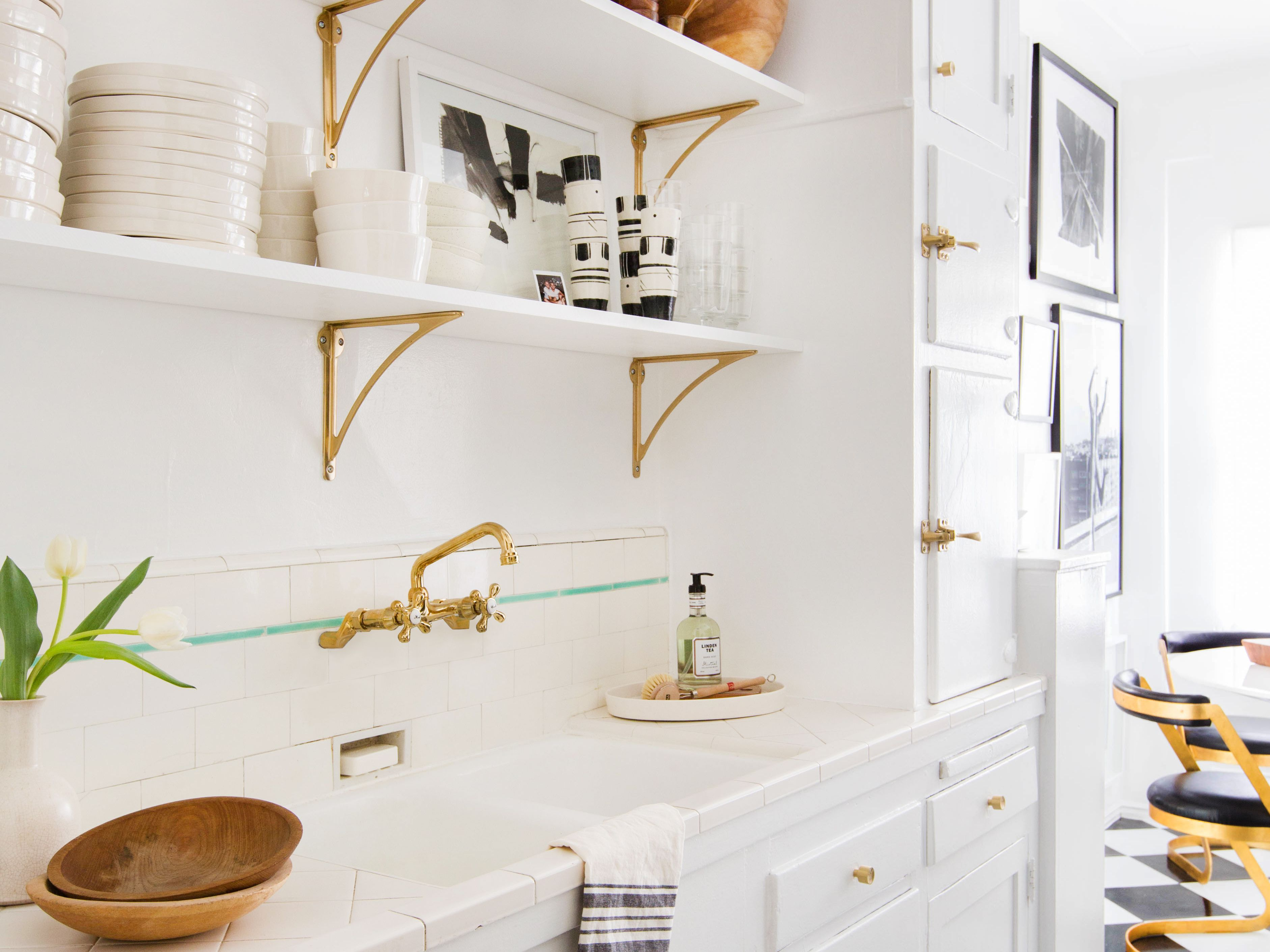 17 Kitchens To Convince You Give Open Shelving A Try