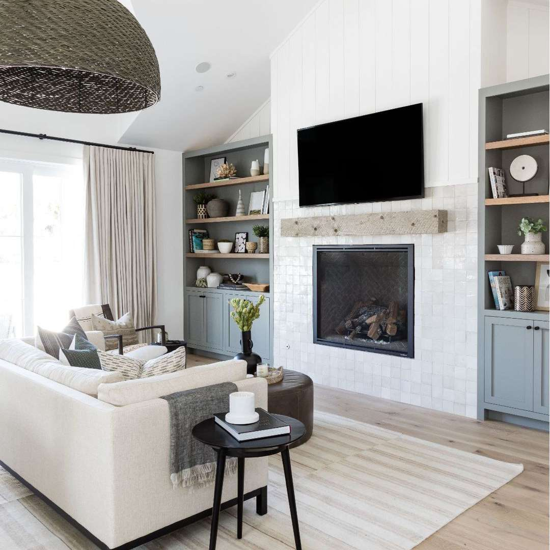 Fireplace with white tile