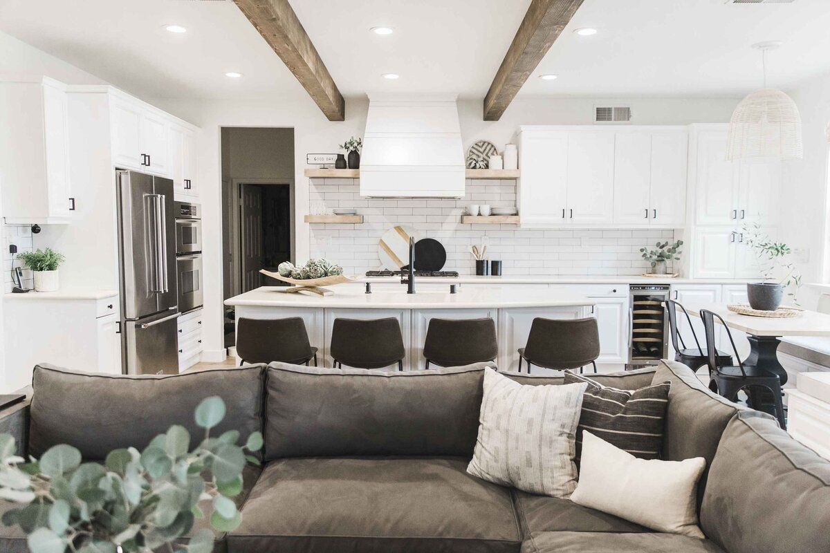 Open plan family room, kitchen, and dining area