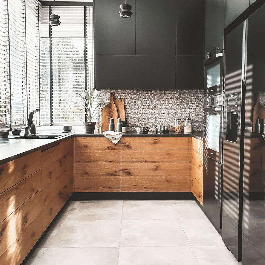 best kitchen ideas - black and wood kitchen