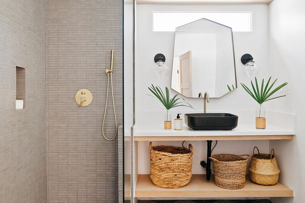 Modern and geometric bathroom with diamond tiles