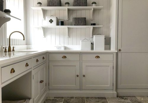 Laundry room with shelve