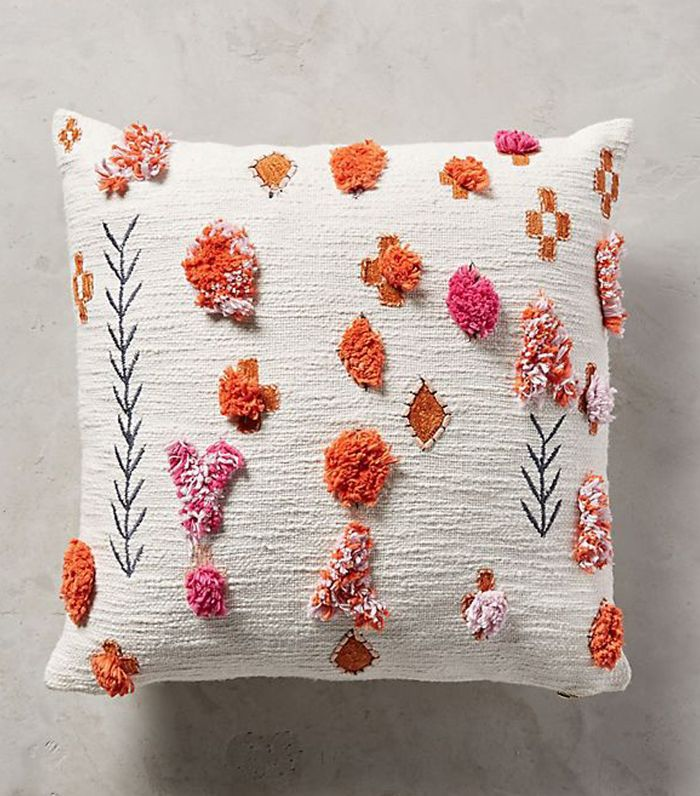 Heradia Pillow