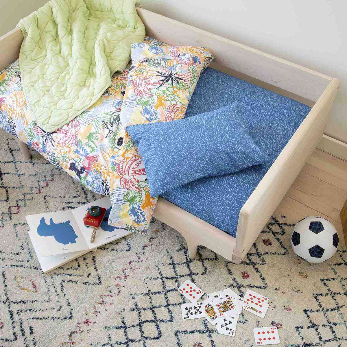 toddler sheet set lifestyle imag