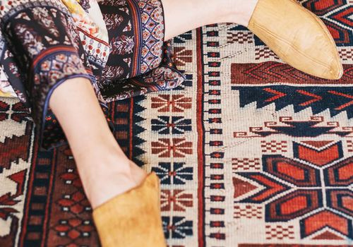 Cómo sacar chicle de la alfombra