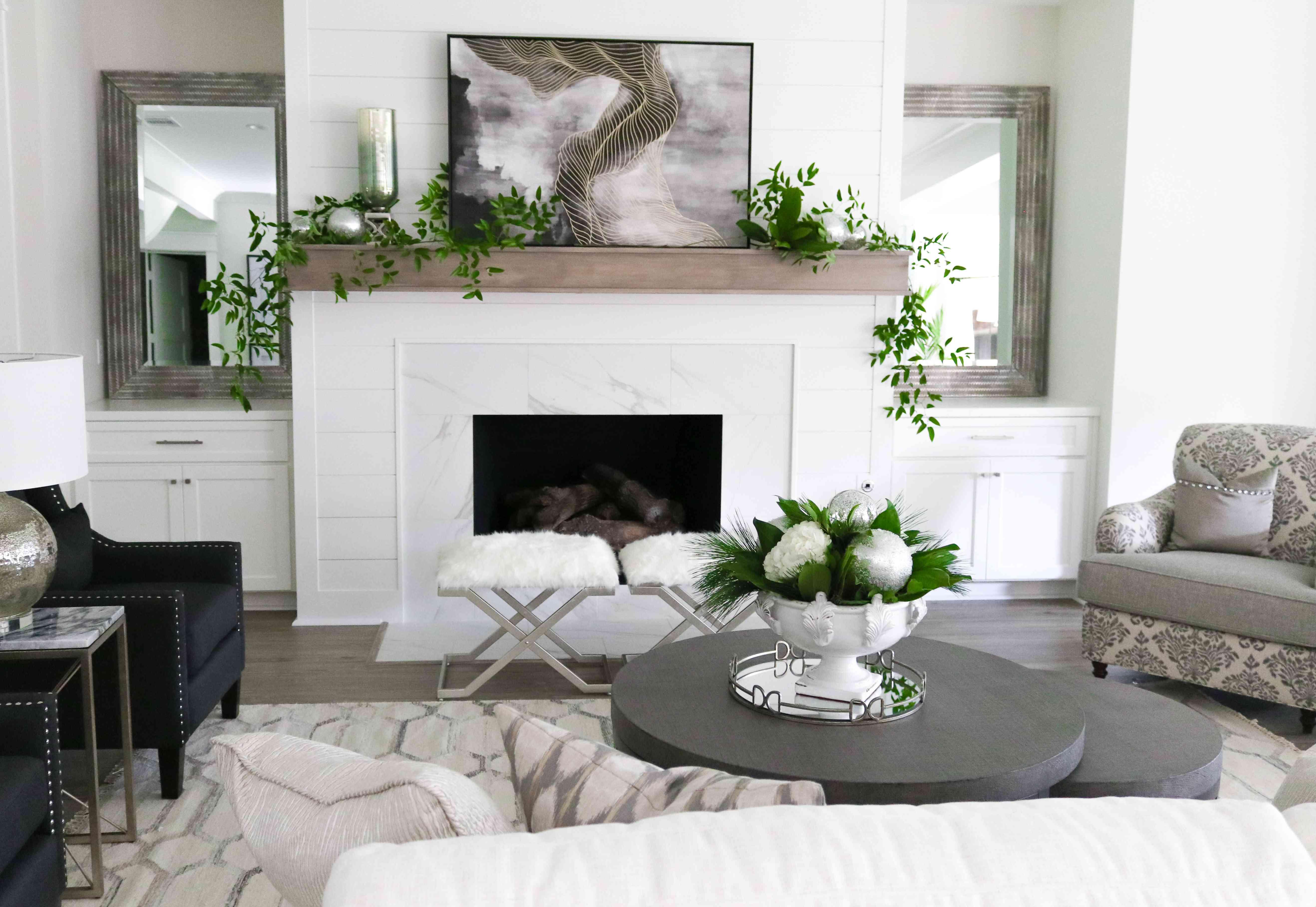 White Christmas living room.