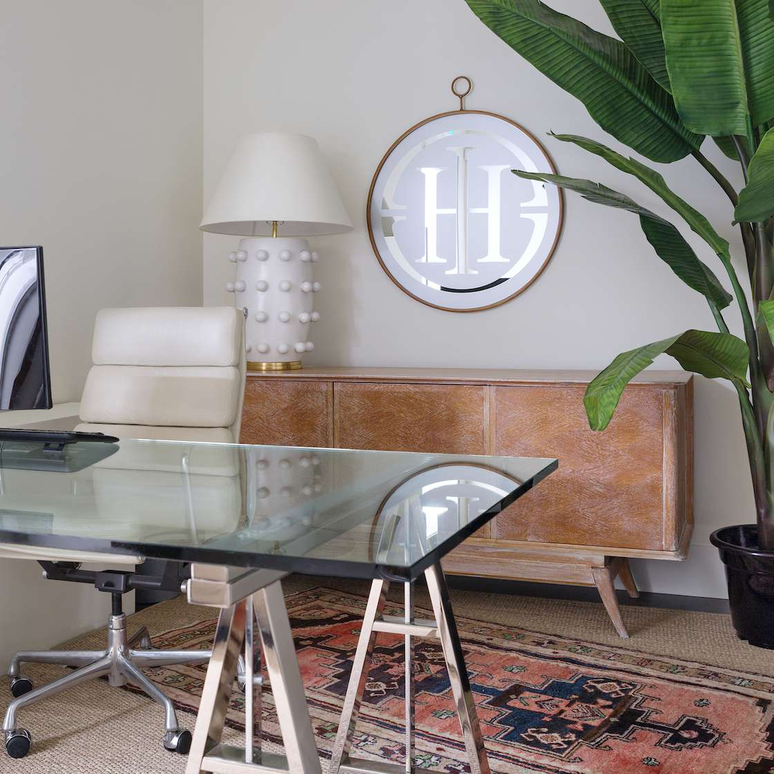 Oficina de Reena Sotropa In House Design Group