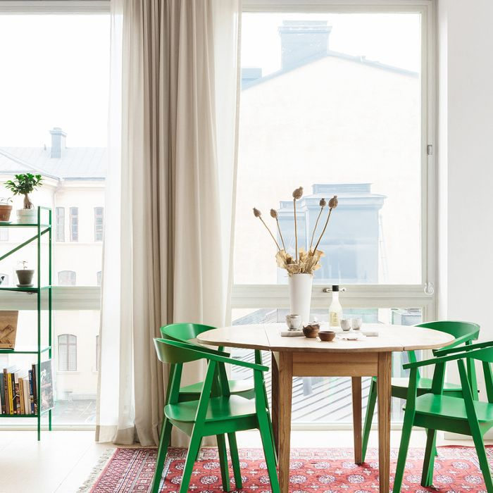 15 Chic and Cheap Dining Tables