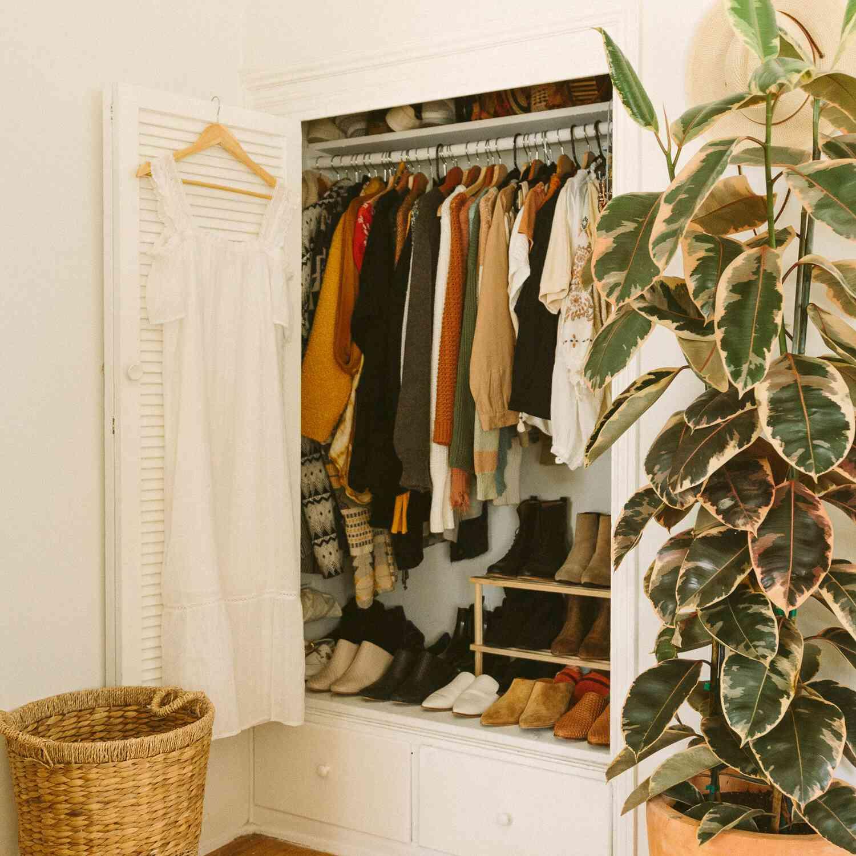 hardwood floor refinishing closet
