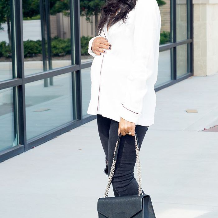 2a09beaaad836 7 Chic Outfits That Prove Stylish Maternity Clothes Exist