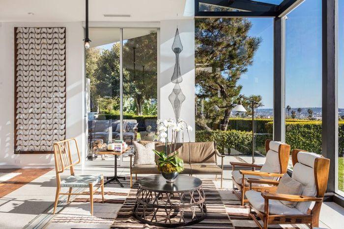 Ellen Degeneres Beverly Hills Home   Sitting Room