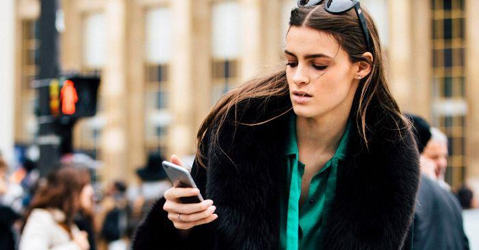 An Expert Explains the Psychology Behind Texting an Ex