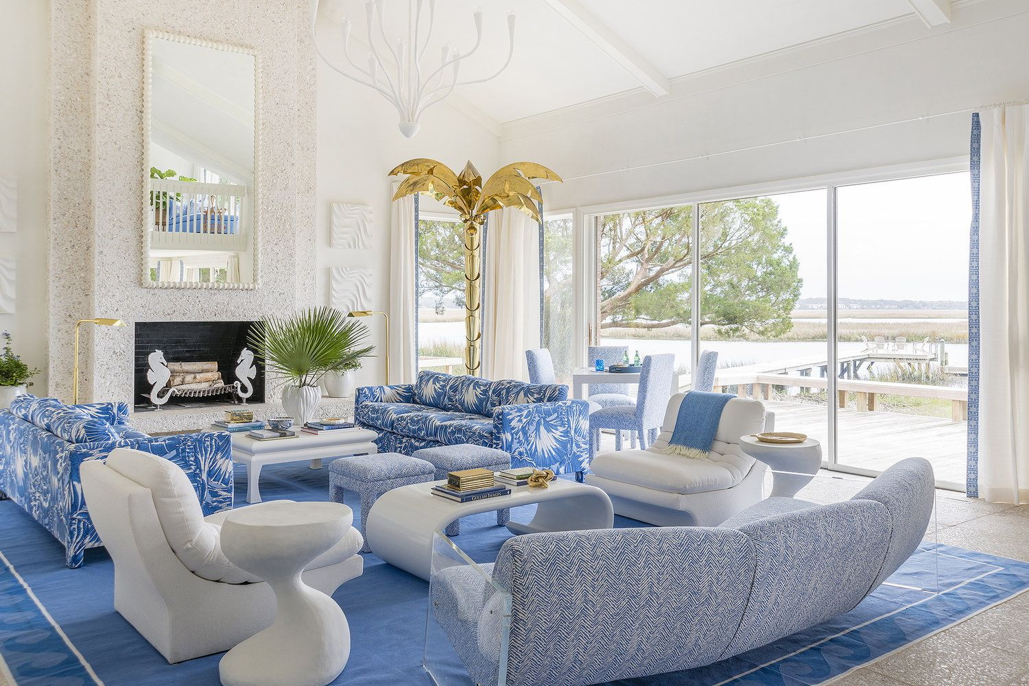 10 Beach House Living Rooms That Bring Summer To You