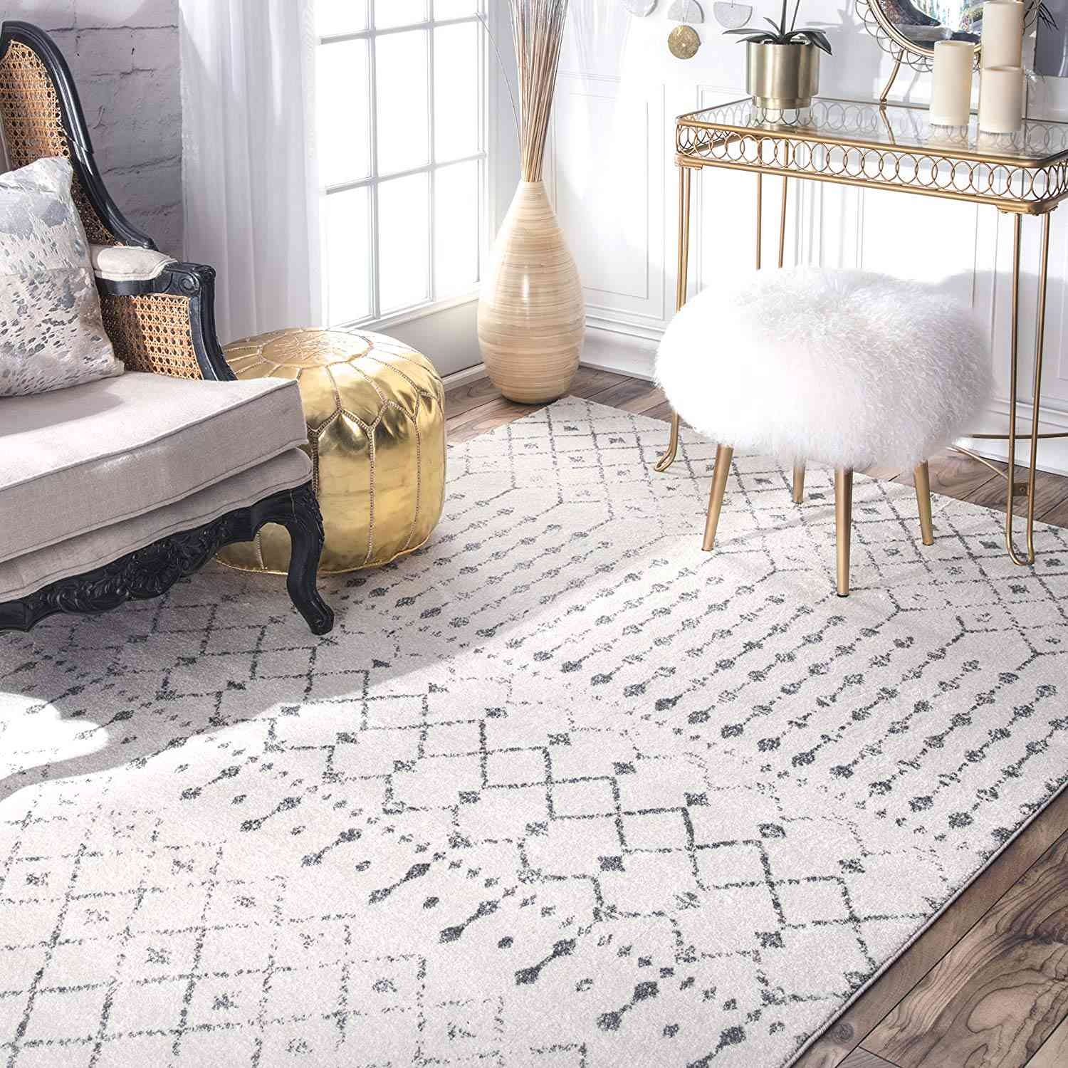 White and gray rug