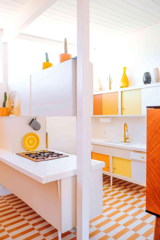 best kitchen ideas - orange ombre kitchen