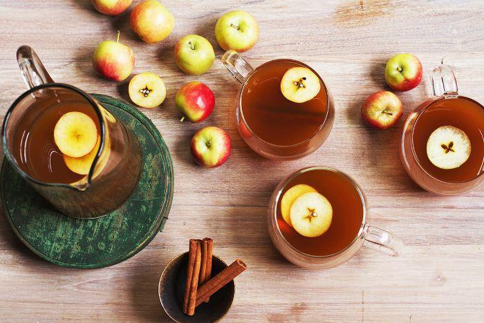 Cóctel de sidra de manzana de Salt & Wind