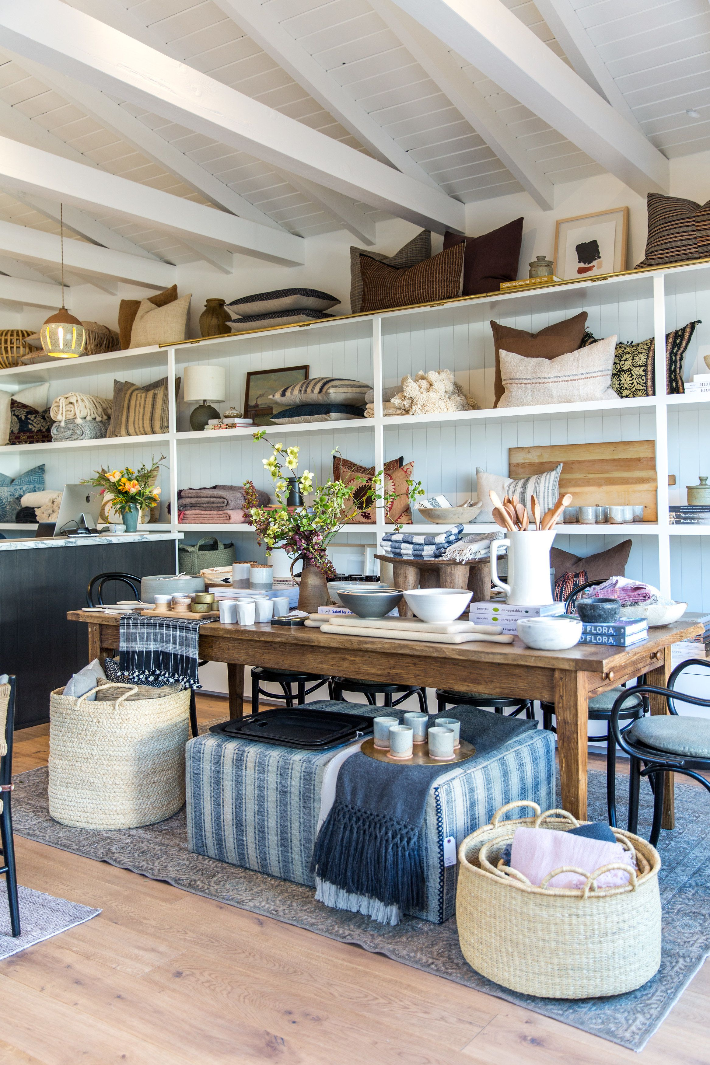 Give it up for the gram 25 interior design stores you need to follow on instagram