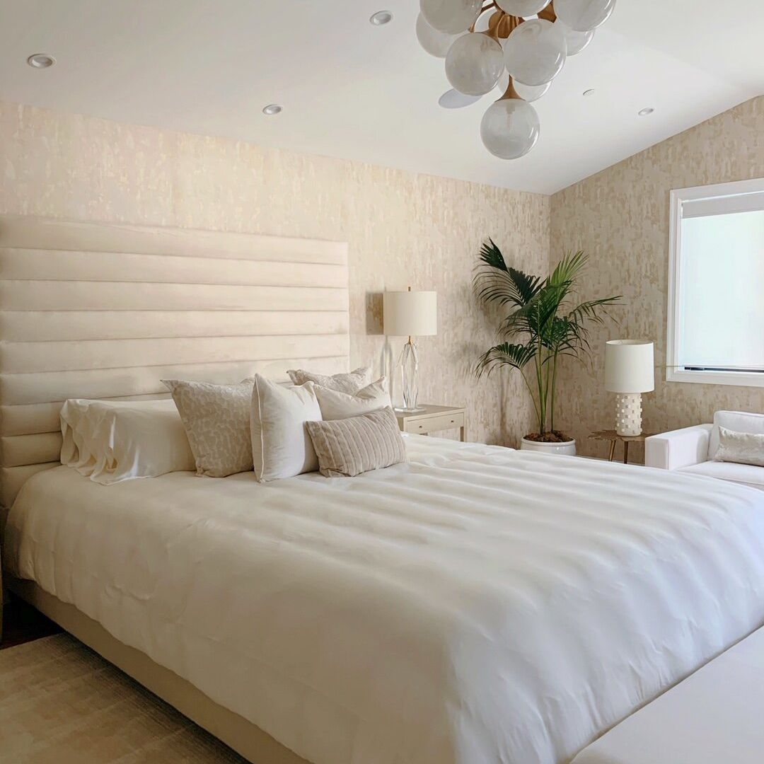 Bed with crisp white sheets