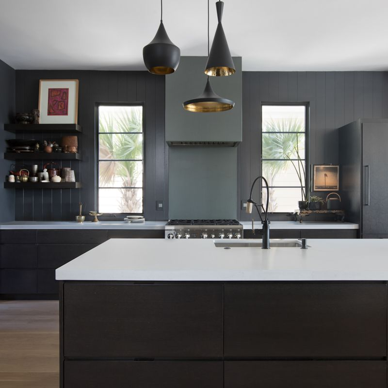 black kitchen trend