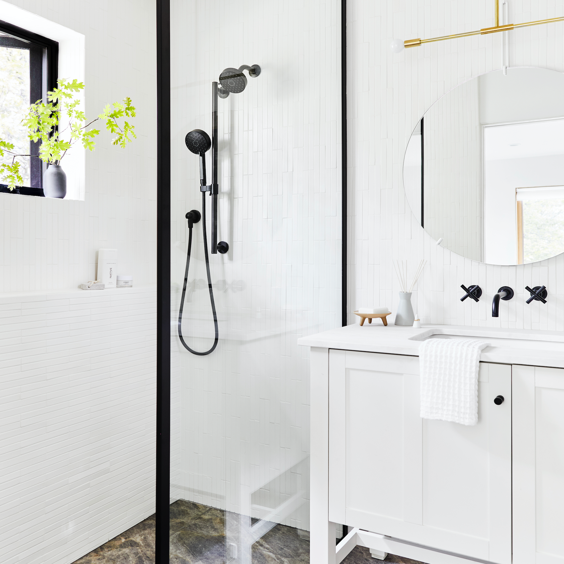 20 Stunning Black And White Bathrooms That Will Never Go Out Of Style