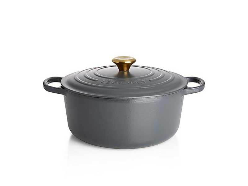 le creuset 2.75 quart round dutch oven in graphite