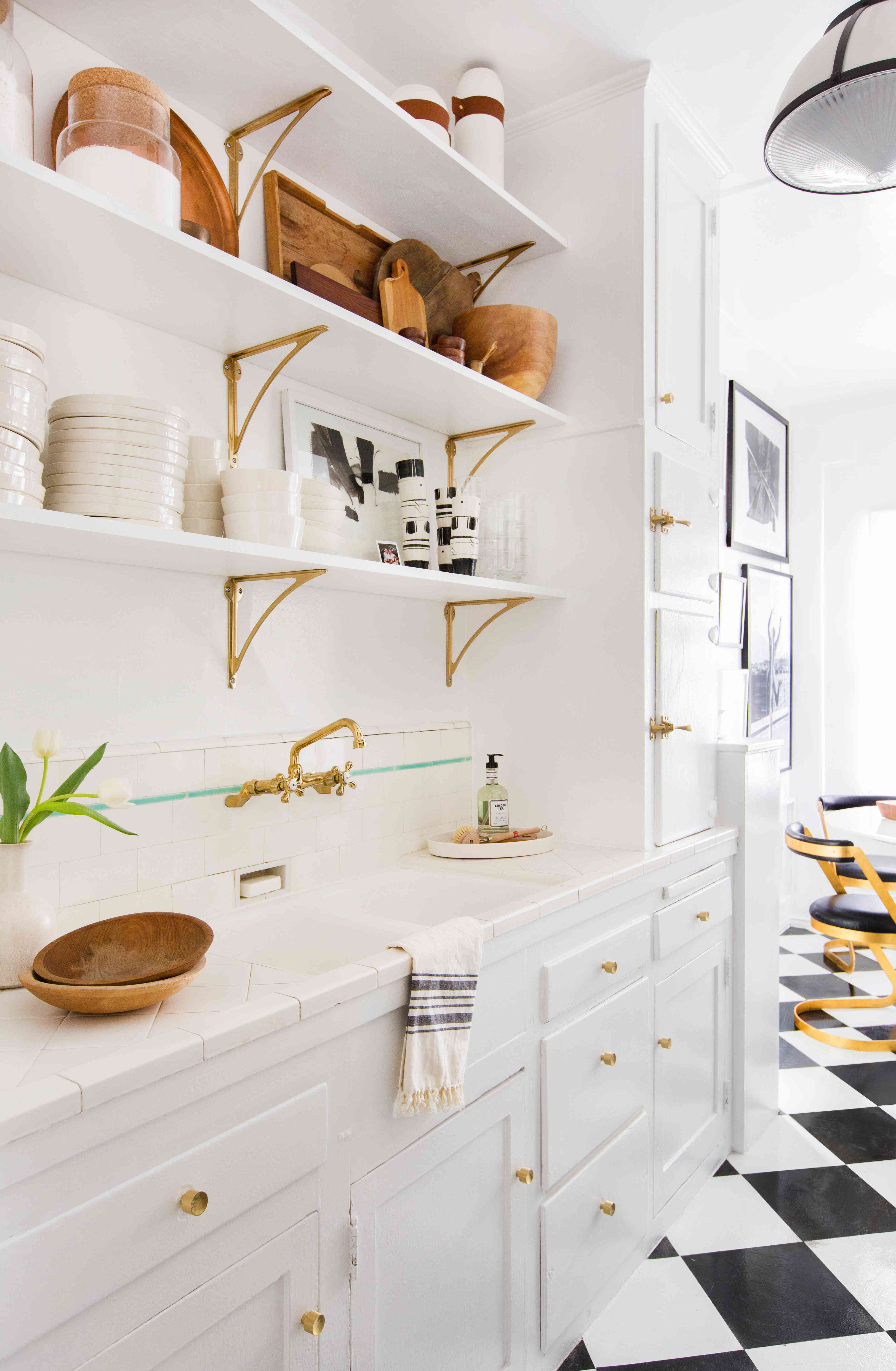 17 Kitchens To Convince You To Give Open Shelving A Try