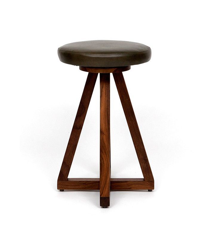 Artless stools — lake house decorating