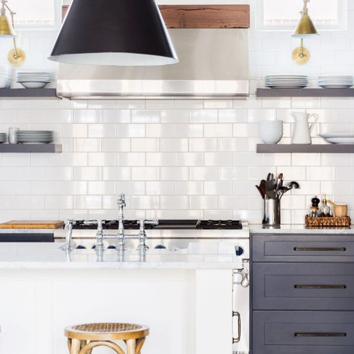 You'll Love These Kitchens With Subway Tile Backsplashes