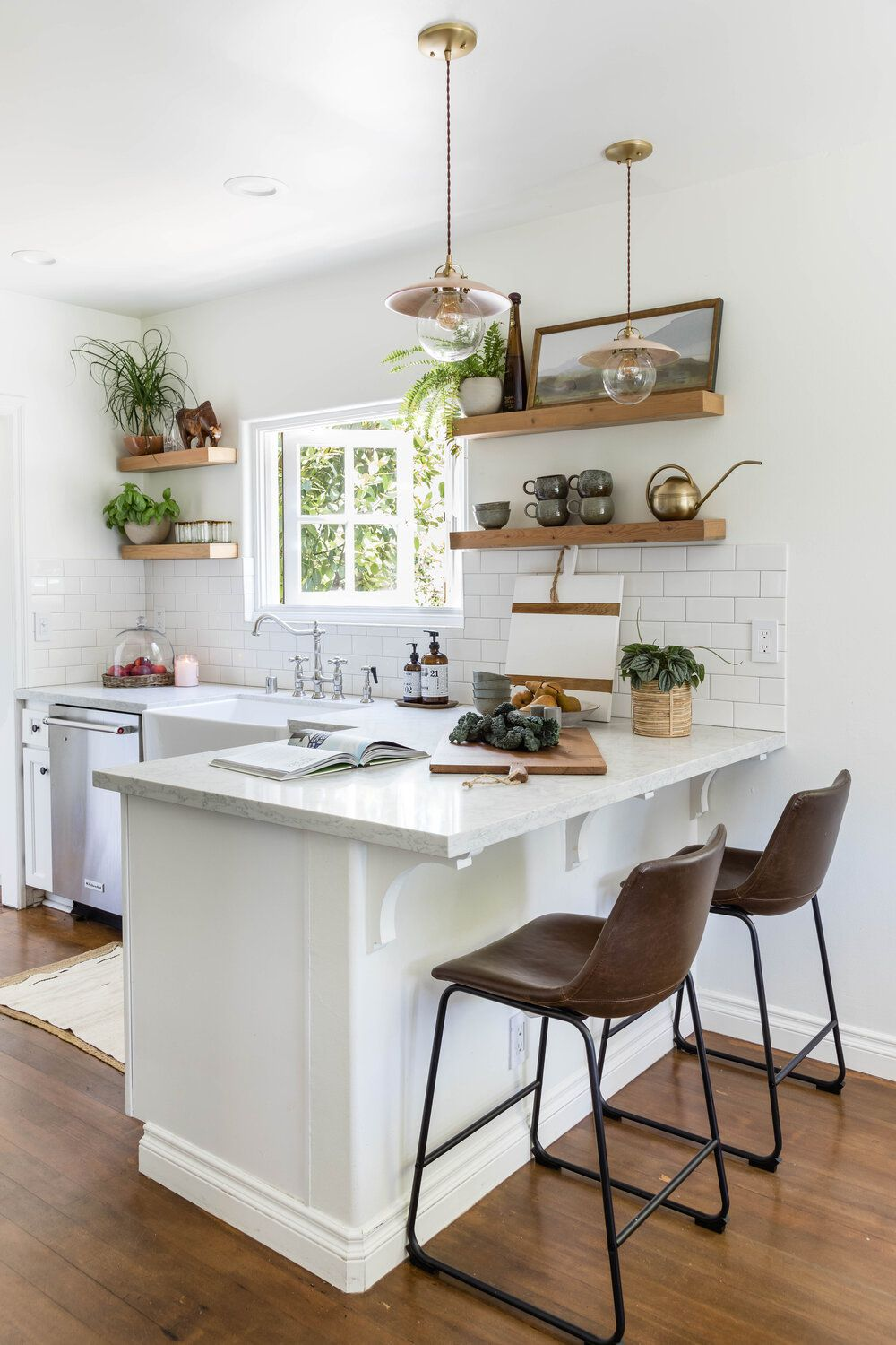 9 Kitchen Bar and Eat In Counter Design Ideas
