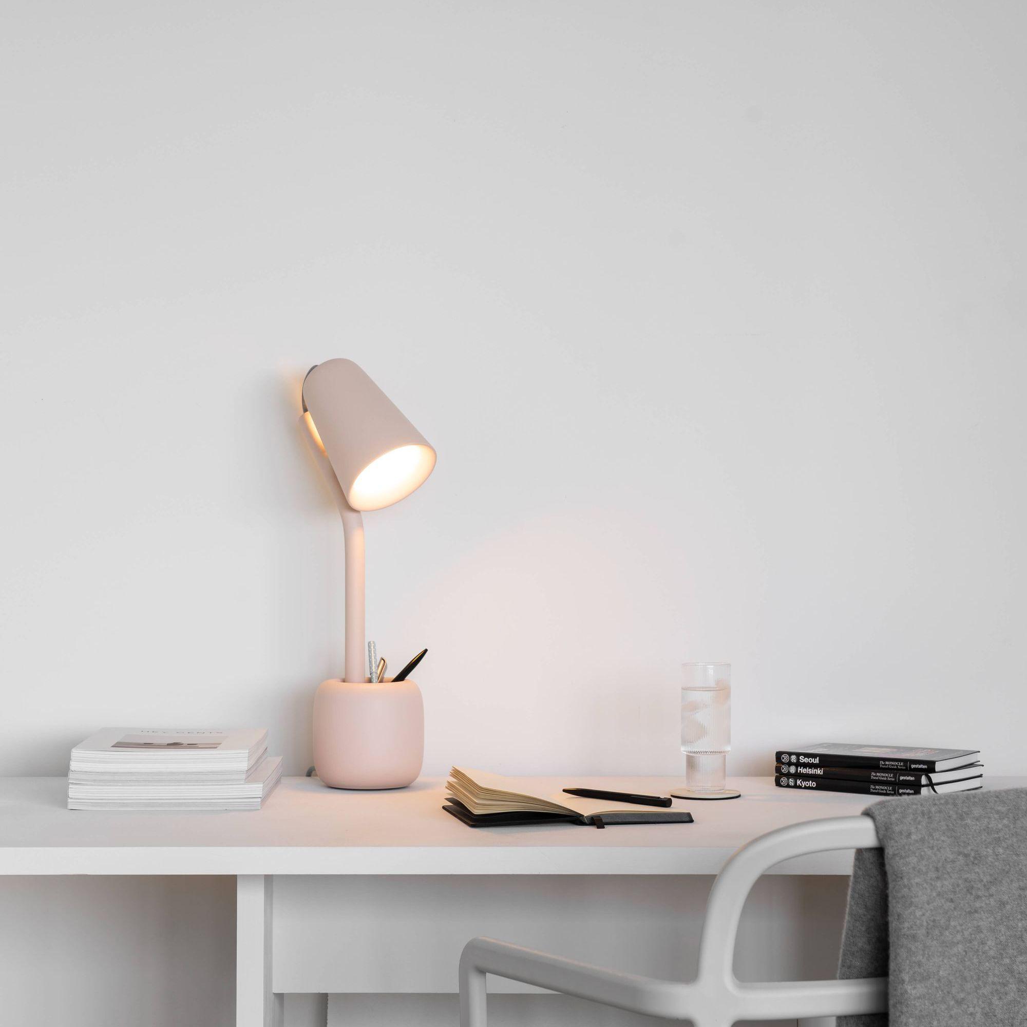 Gantri pink table lamp