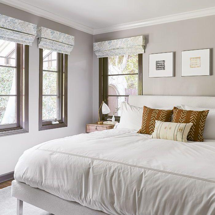 Diseño de dormitorio neutral