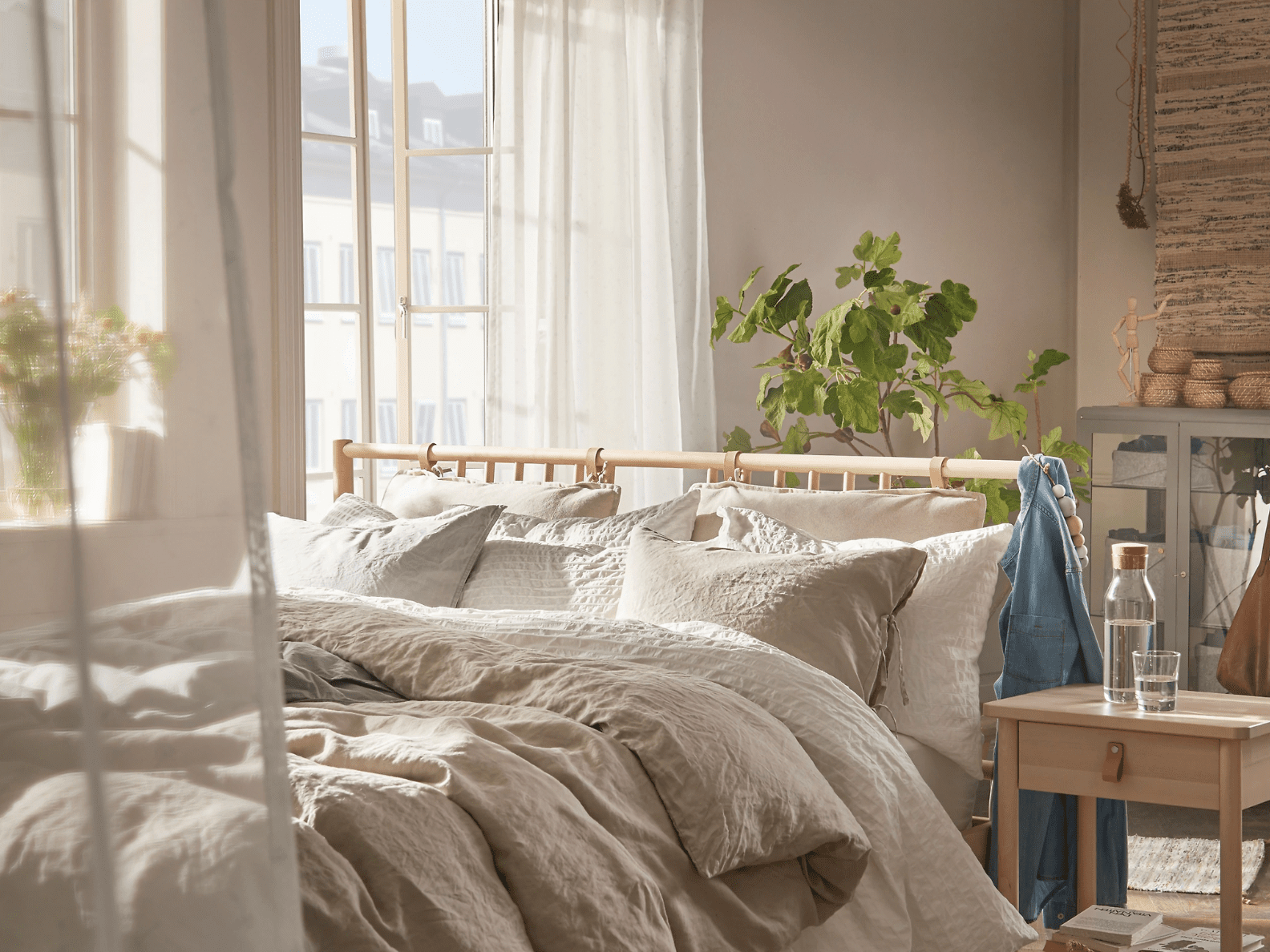 How To Make A Bedroom Look Expensive With 200 At Ikea