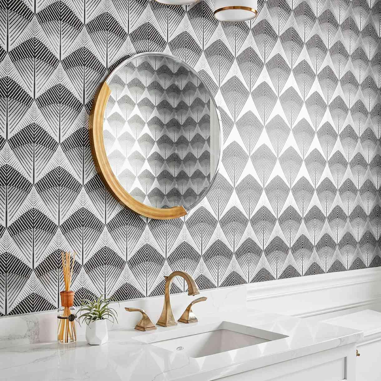 wallpaper Art Deco bathroom