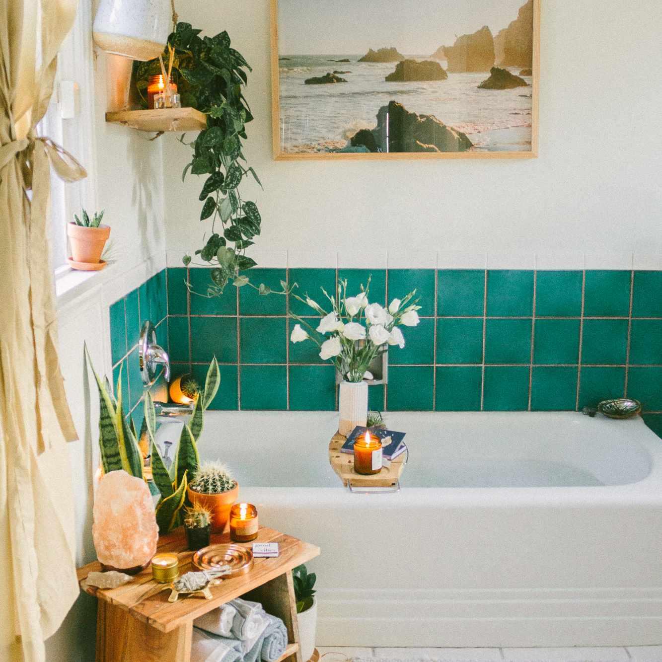 Rental bathroom with updated tiles using vinyl stickers