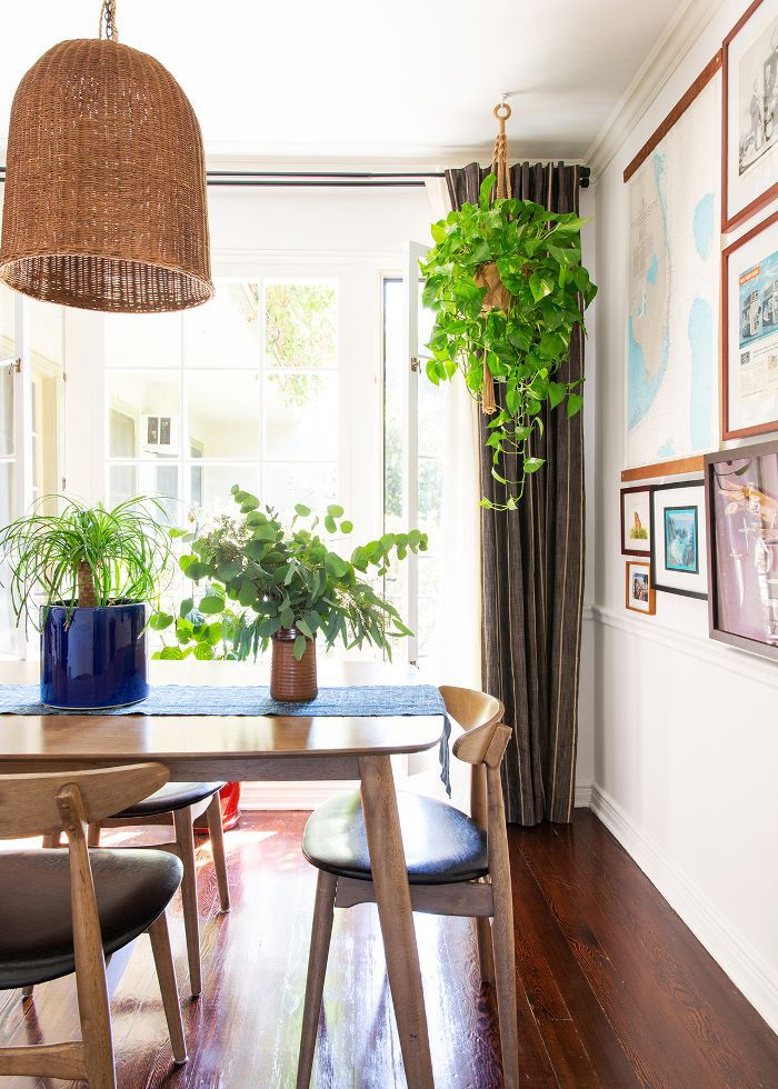 Small space apartment dining room