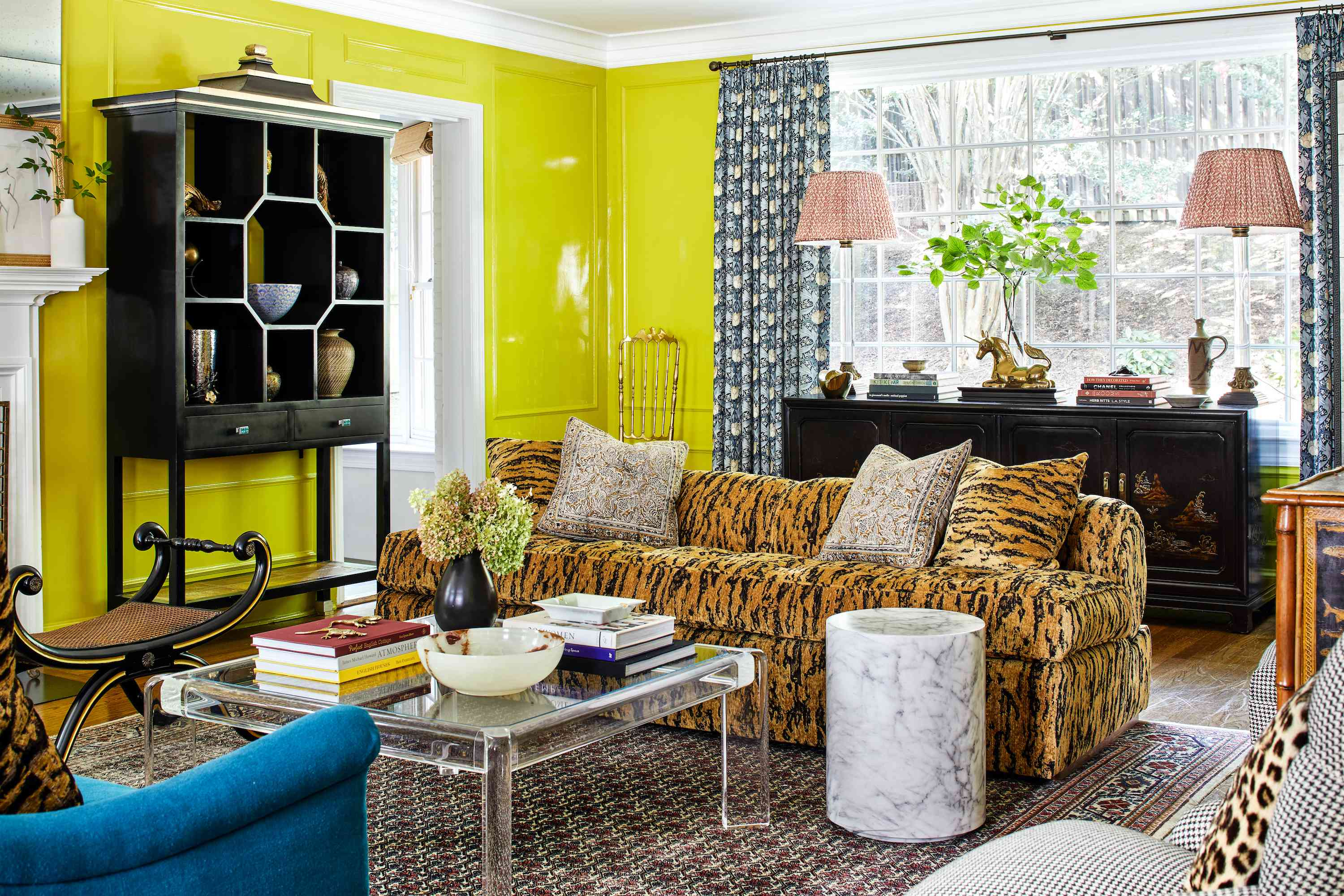 chartreuse room