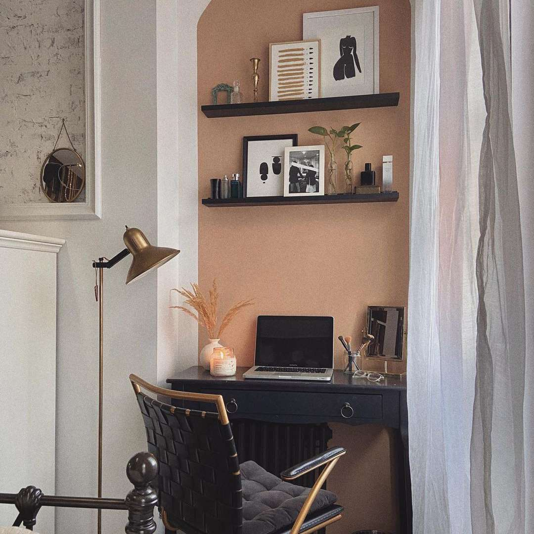 Small office space in a bedroom